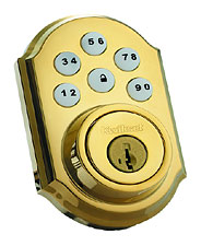 99100-004-AAKIT KWIKSET POLISHED BRASS TRADITIONAL STYLE DEADBOLT WITH A 4PACK OF AA BATTERIES