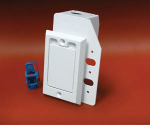 791760W HAYDEN SUPERVALVE SQ DOOR WHITE W/ NEW BCK PLT ************************** CLEARANCE ITEM- NO RETURNS *****ALL SALES FINAL****** **************************
